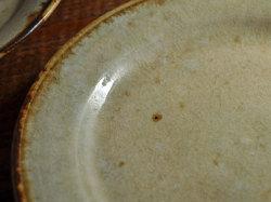 わら灰釉六寸リム皿-5